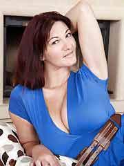 a nude horny woman from Galt, California